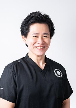 歯科医師  西條 翔