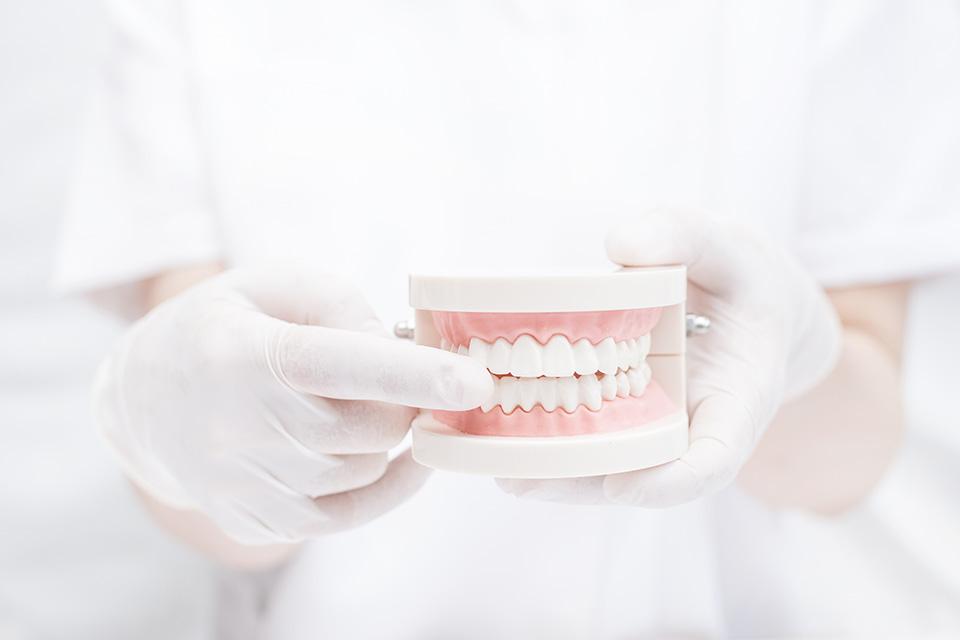 マウスピース型矯正で本当に歯が動くの?